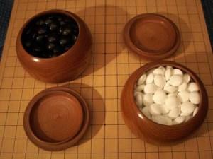 go tablero y piedras 2